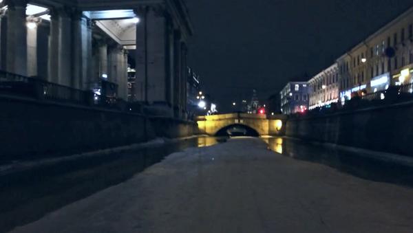 Na motorce po kanálech Petrohradu - Sputnik Česká republika