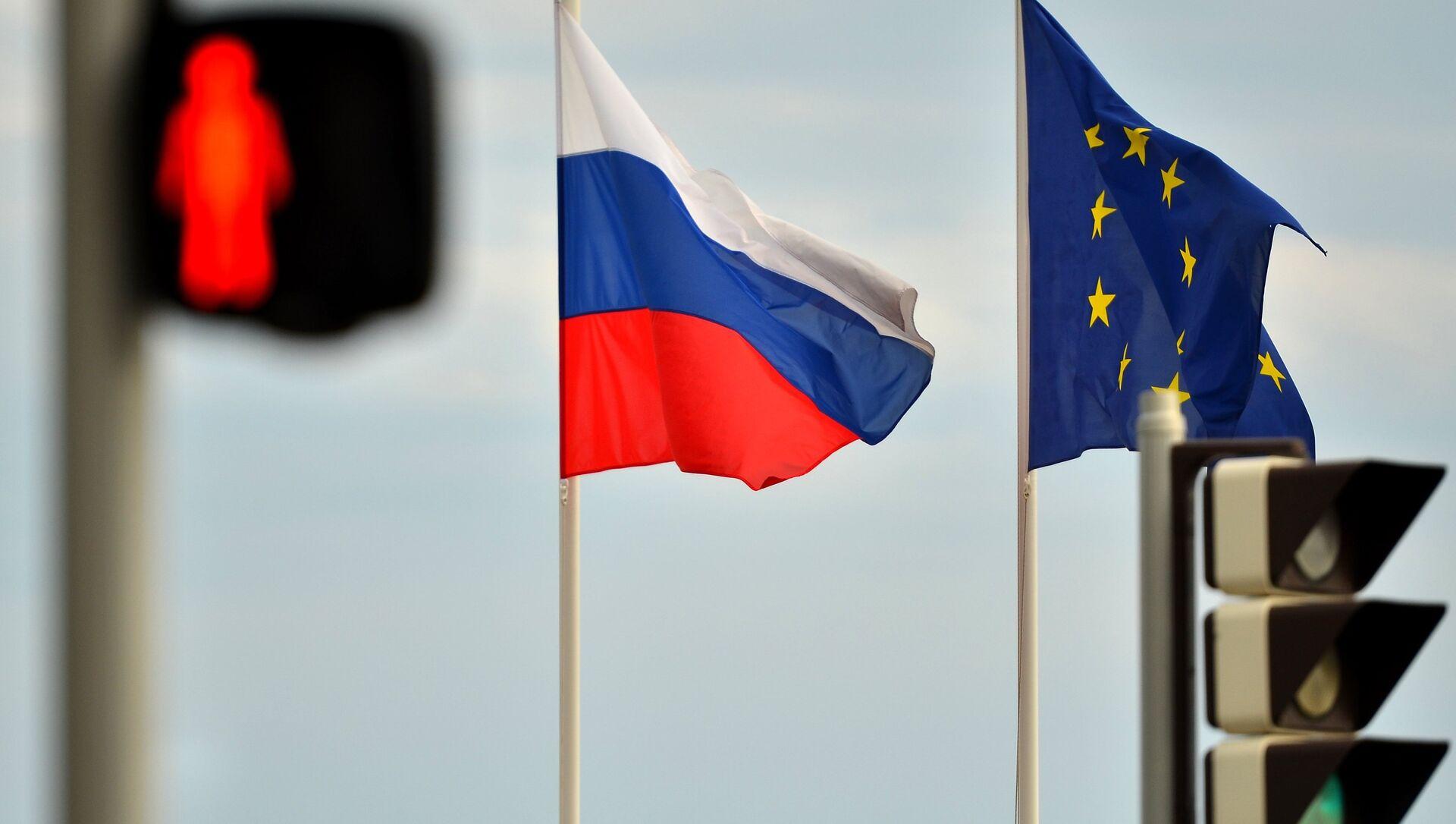 Vlajky Ruska a EU - Sputnik Česká republika, 1920, 21.02.2021