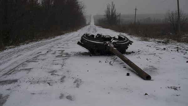 Následky ostřelování obce Kominternovo na Donbasu - Sputnik Česká republika