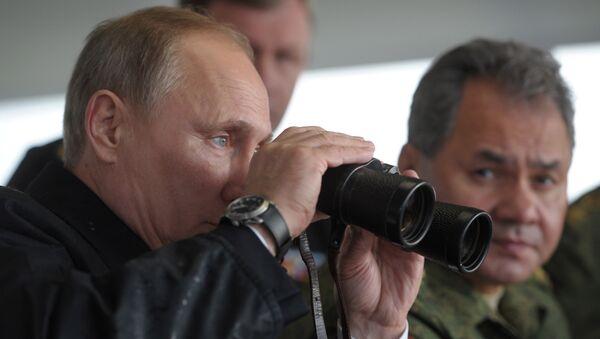 Vladimir Putin a Sergej Šojgu - Sputnik Česká republika