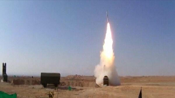Odpálení raket a nacvičení terčů: Írán úspěšně otestoval ruské S-300 - Sputnik Česká republika