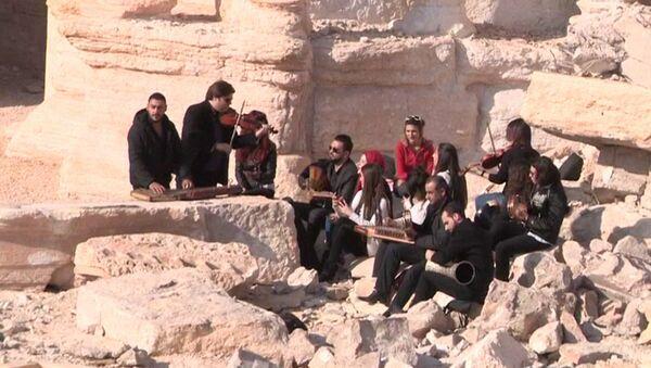 Syrští hudebníci vystoupili v Římském amfiteátru - Sputnik Česká republika
