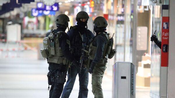 Policie na nádraží v Düsseldorfu - Sputnik Česká republika