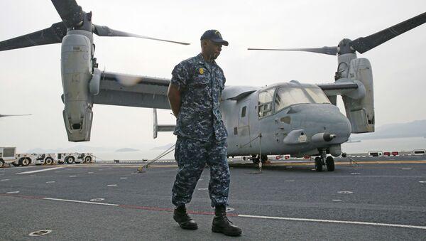 Americký voják na palubě USS Bonhomme Richard - Sputnik Česká republika