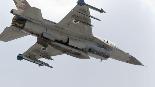 Izraelská stíhačka F-16 D - Sputnik Česká republika