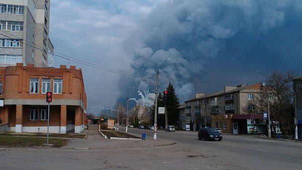 Požár skladu munice v Charkovské oblasti - Sputnik Česká republika
