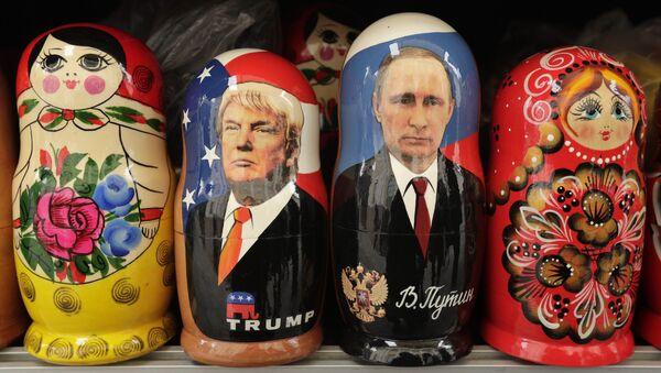 Matrjošky se zobrazením Vladimira Putina a Donalda Trumpa - Sputnik Česká republika