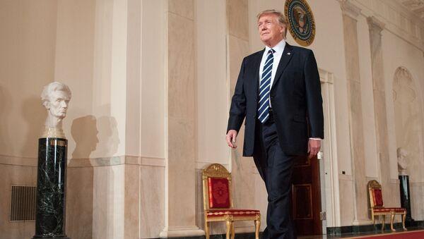 Prezident USA Donald Trump v Bílém domě - Sputnik Česká republika