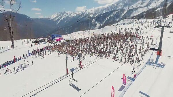 S hory v plavkách: karneval Boogel Woogel v Soči - Sputnik Česká republika
