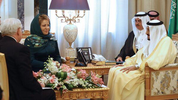 Předsedkyně ruské Rady federace Valentina Matvijenková se setkala s králem Saúdské Arábie Salmanem bin Abdulem-Aziz Al Saudem - Sputnik Česká republika