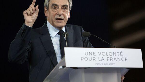 Kandidát na post prezidenta Francie za pravicově centristickou stranu Republikáni bývalý premiér François Fillon - Sputnik Česká republika