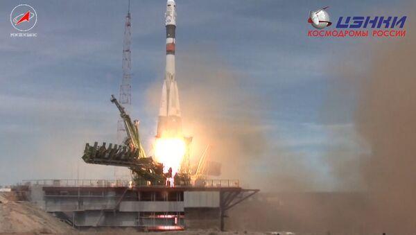 Sojuz MS-04 se vydal k ISS - Sputnik Česká republika