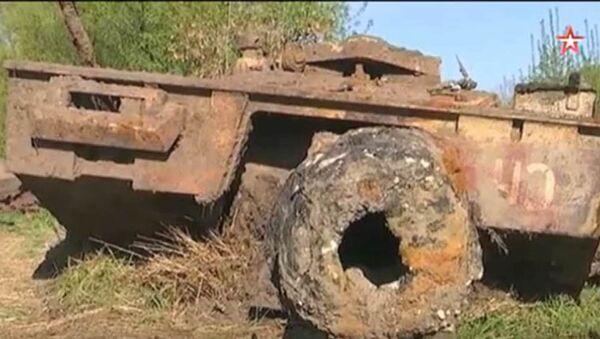 Americký tank, který vyzvedli ze dna řeky Don - Sputnik Česká republika