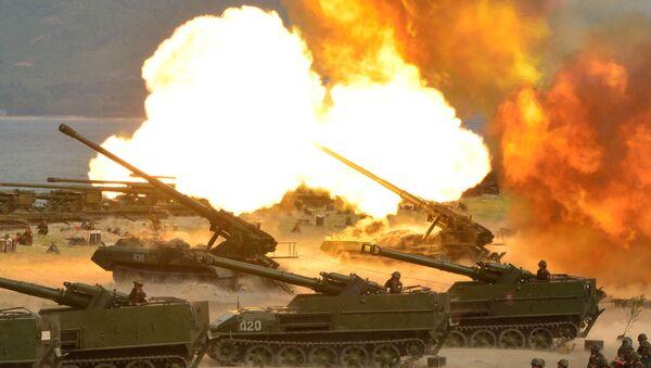 Velké dělostřelecké cvičení na počest 85. výročí založení Korejské lidové armády, KLDR - Sputnik Česká republika