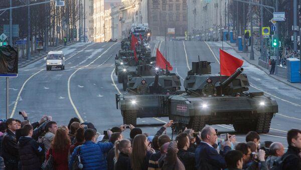Tanky T-14 Armata během zkoušky přehlídky Vítězství - Sputnik Česká republika