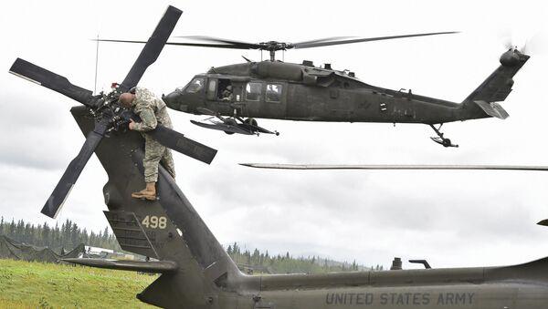 Vrtulník UH-60 Black Hawk  - Sputnik Česká republika