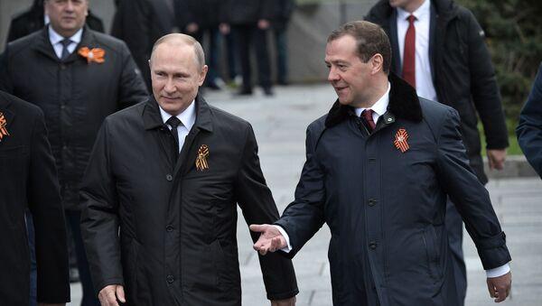 Vladimir Putin a Dmitrij Medveděv - Sputnik Česká republika