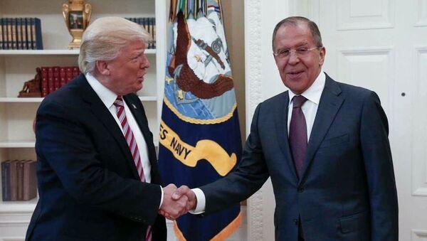 Donald Trump a Sergej Lavrov - Sputnik Česká republika