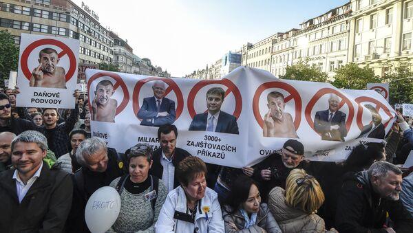 Protesty na Václavském náměstí v Praze, 10.05.2017 - Sputnik Česká republika