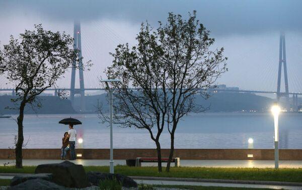 Most na Ruský ostrov přes průliv Východní Bospor ve Vladivostoku - Sputnik Česká republika
