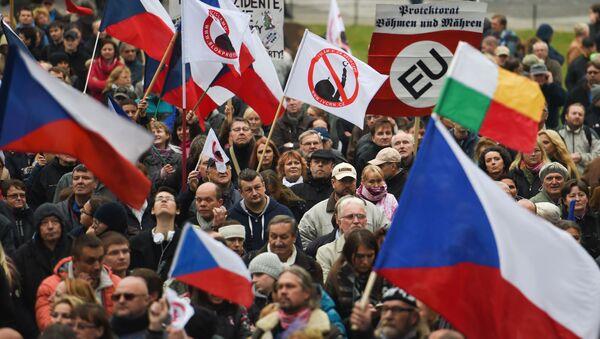 Ilustrační foto: Protestní akce proti migrantům v Praze - Sputnik Česká republika