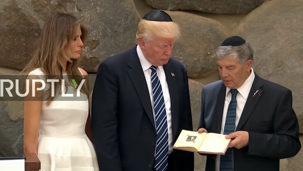 Trump uctil památku obětí holocaustu - Sputnik Česká republika