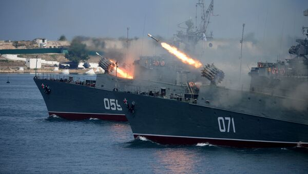 Během přehlídky v Sevastopolu - Sputnik Česká republika
