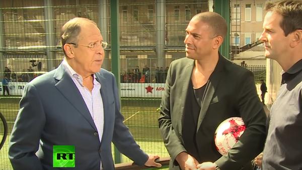 Lavrov: v Rusku pomohou zahraničním fanouškům, aby se cítili jako doma - Sputnik Česká republika