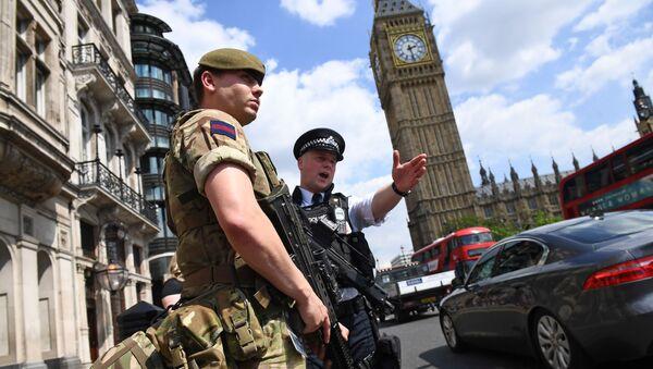 Policisté v Londýně - Sputnik Česká republika