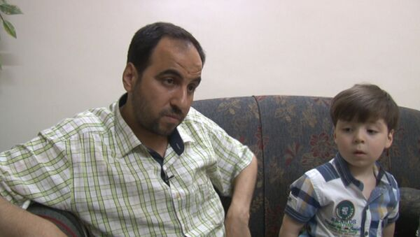 Otec syrského chlapce vypověděl, že ozbrojenci využili snímek jeho syna k propagandistickým cílům - Sputnik Česká republika
