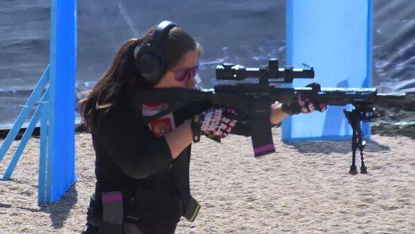 První Mistrovství světa ve střelbě z pušky: Vystoupení ruské ženské reprezentace - Sputnik Česká republika