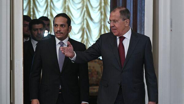 Katarský ministr zahraničí  Muhammad bin Abdarrahmán Sání  a ruský ministr zahraničí Sergej Lavrov - Sputnik Česká republika