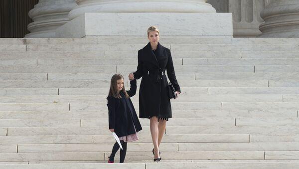 Ivanka Trumpová a její dcera Arabella - Sputnik Česká republika