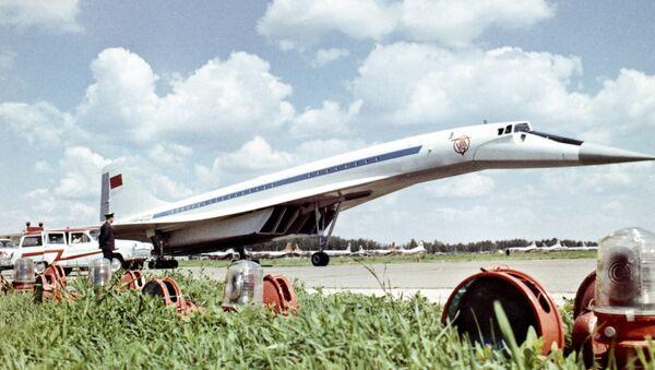 Nadzvukové dopravní letadlo TU-144 - Sputnik Česká republika