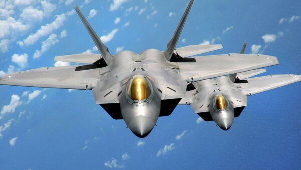 Stíhačky F-22 Raptor - Sputnik Česká republika