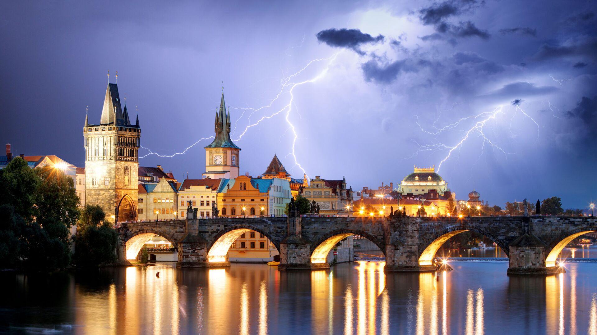Praha během bouřky - Sputnik Česká republika, 1920, 24.07.2021