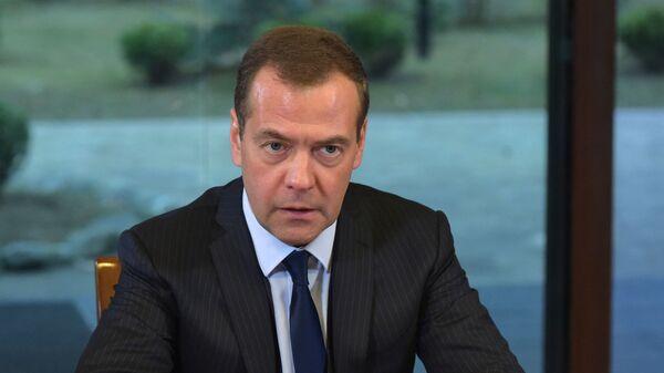 Председатель правительства РФ Дмитрий Медведев во время встречи с руководством фракции Единая Россия в Государственной думе Р - Sputnik Česká republika