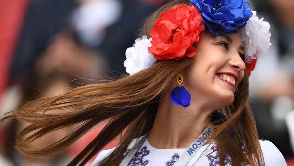Fanynka ruské reprezentace před zahájením utkání Konfederačního poháru 2017 ve fotbalu mezi týmy Mexika a Ruska - Sputnik Česká republika