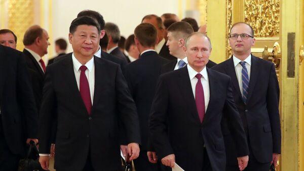 Vladimir Putin a Si Ťin-pching po společných jednáních - Sputnik Česká republika