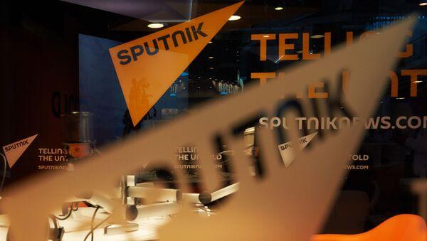 Павильон информационного агентства Sputnik перед открытием Петербургского международного экономического форума 2015 - Sputnik Česká republika
