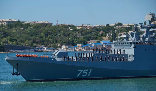 Na palubě je rormístěná nějmodernější vojenská technika, včetně raketového komlexu Štil, dělostřeleckého systému a torpéd - Sputnik Česká republika
