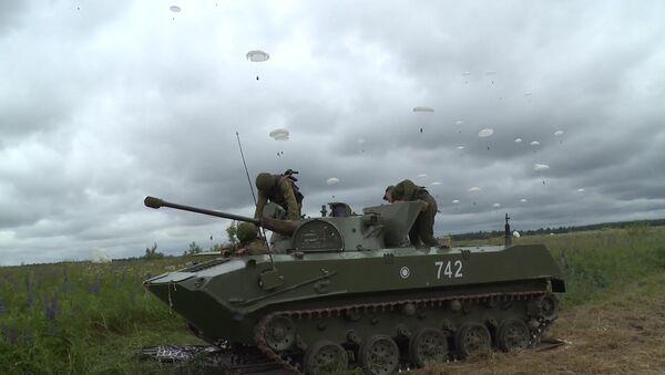 Cvičení jednotek Výsadkového vojska - Sputnik Česká republika