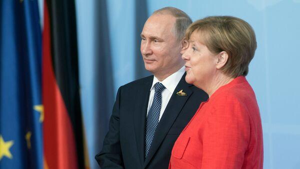 Putin a Merkelová - Sputnik Česká republika