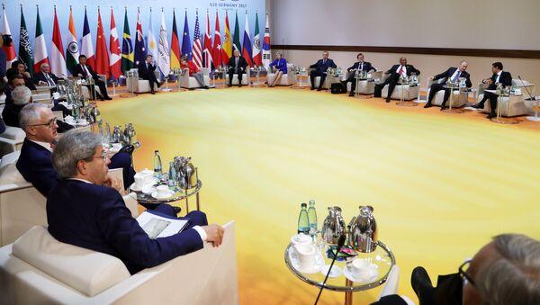 Schůzka lídrů BRICS před summitem G20 - Sputnik Česká republika