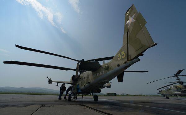 Létající tanky: cvičení vrtulníků v Přímoří - Sputnik Česká republika