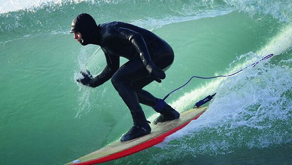 Vítr, vlny a -15°: zimní surfing na ruském pobřeží Tichého oceánu - Sputnik Česká republika