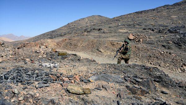 Afghánský voják během hlídky - Sputnik Česká republika