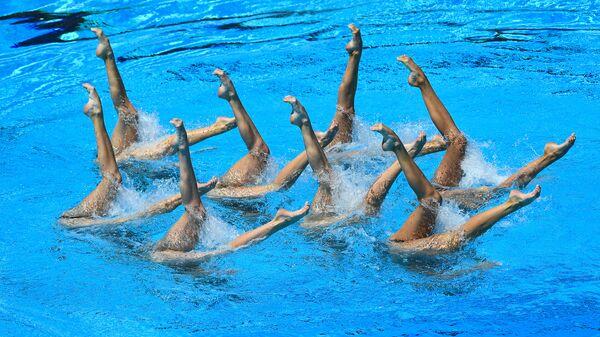 Sportovkyně z ruské reprezentace ve finále skupinových soutěží v synchronním plavání na MS ve vodních sportech v Budapešti - Sputnik Česká republika
