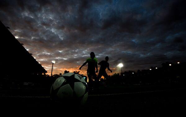 Fotbalisté na utkání šampionátu ruských klubů profesionální fotbalové ligy mezi mužstvy FK Zorkij a FK Ararat - Sputnik Česká republika