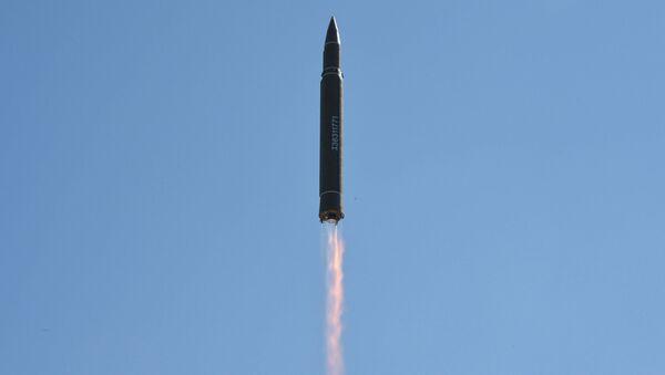 Start balistické rakety Hwasong-14 v KLDR - Sputnik Česká republika